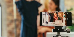 Varejo online aposta em transmissões ao vivo de influenciadores