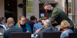Seis a cada dez bares e restaurantes ainda não retornaram ao nível pré-pandemia